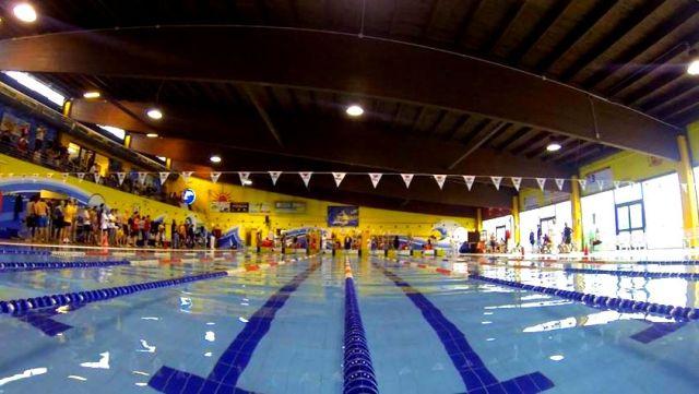 Daniela deponti segna un altro record europeo nei 100 farfalla e sfiora il mondiale swim4life - Zero piscina busto ...