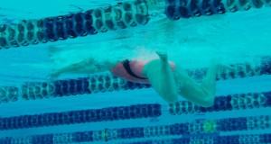 allenamento-glutei-nuoto