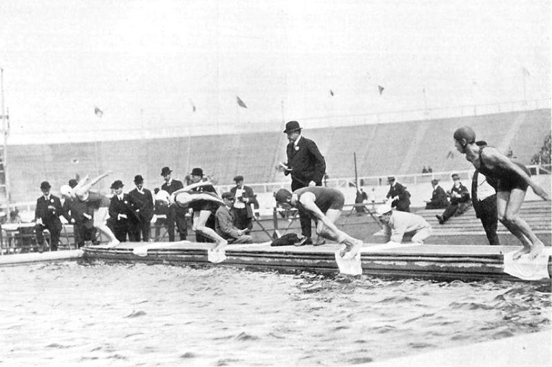 Olimpiadi 1908 il nuoto per la prima volta in vasca l 39 esordio della piscina e del 200 rana - Piscina olimpiadi ...
