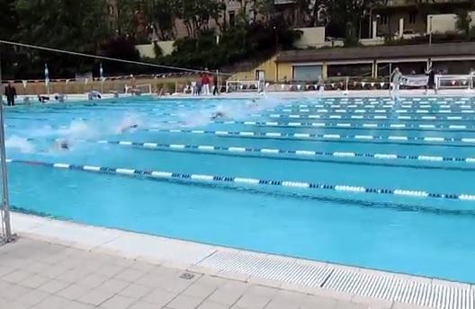 La jolly nuoto fa l 39 esordio nel circuito ma tra pochi - Del taglia piscine chiude ...