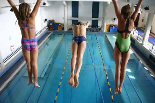 tuffi_nelle_scuole_nuoto