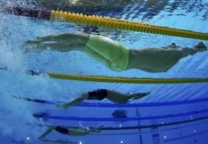 underwater-swimming
