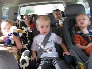 automobile-piena-bambini