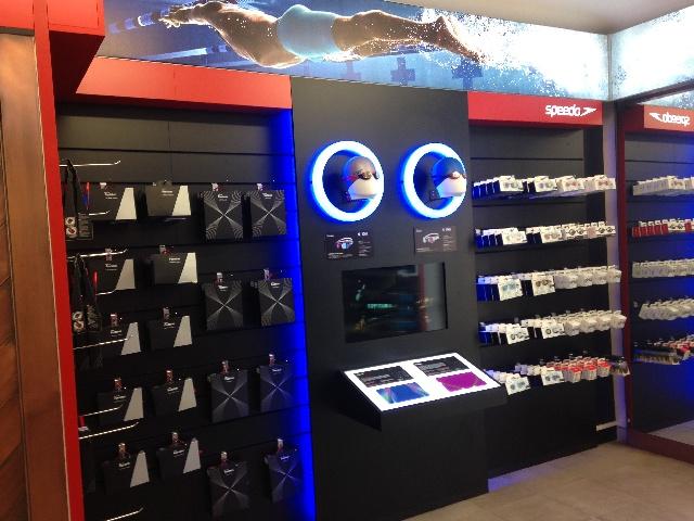 A torino apre la nuova sede di sport line uno store for Piani di garage con lo spazio del negozio