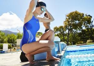 evitare-funghi-verruche-piscina