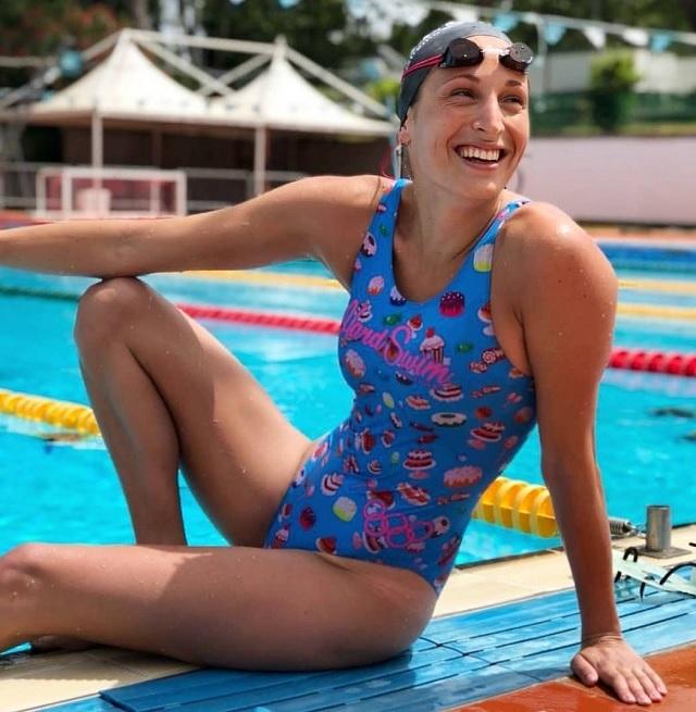 Time Magazine datazione piscina