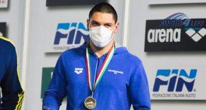 nuoto-simone-cerasuolo-cancella-martinenghi-record-mondiale-junior-50-rana