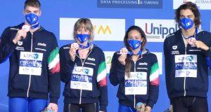 italia-4x100-stile-libero-mista-bronzo-e-record-italiano