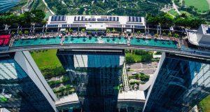 piscine-fantastiche-nuotare-tra-le-nuvole-sands-skypark-singapore