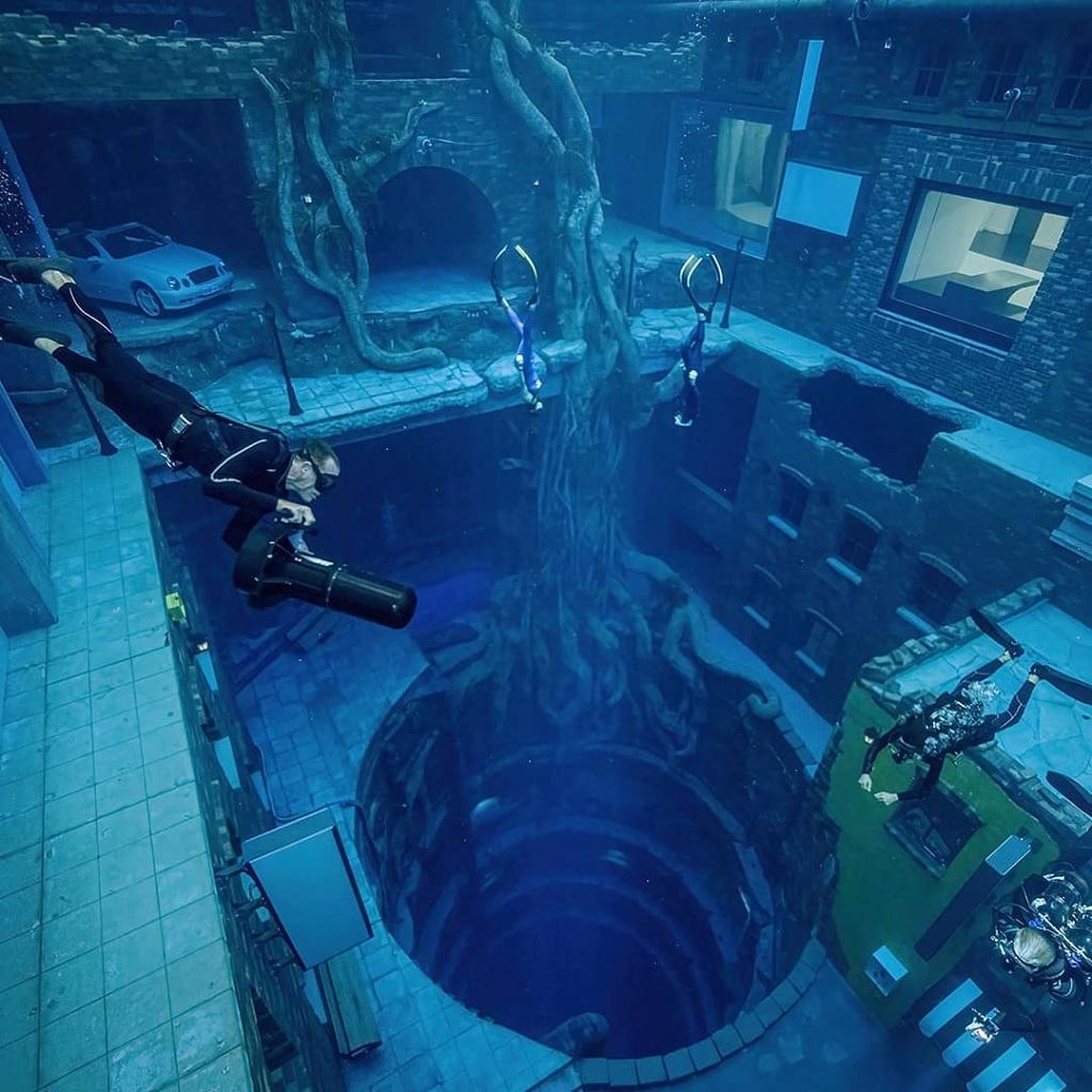 Deep Dive Dubai piscina più profonda