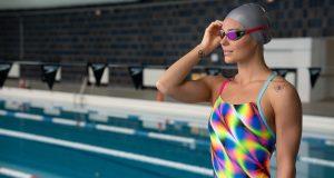 settembre-ritorno-in-piscina-con-colore-luce-e-ottimismo-sul-futuro